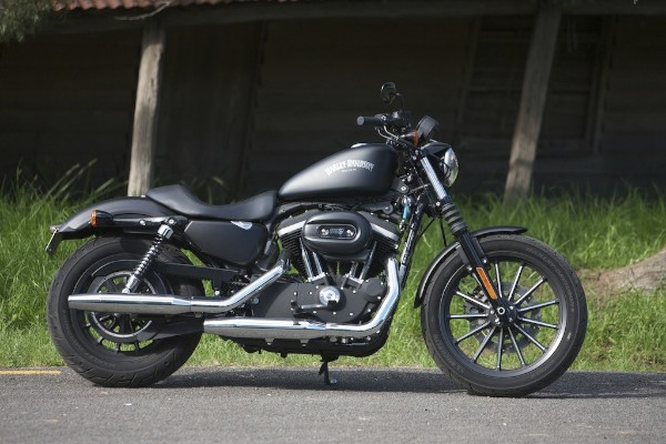 Harley Davidson Iron  Riding Position