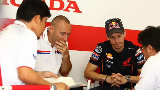 Casey Stoner and his HRC crew in 2013 tests