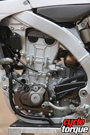 Yamaha-YZ450F-2013-4