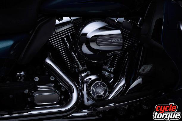 Harley-Davidson-Touring-2013--(1)