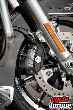 Harley-Davidson-Touring-2013--(15)