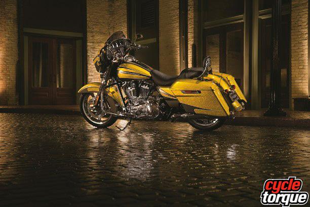 Harley-Davidson-Touring-2013--(20)