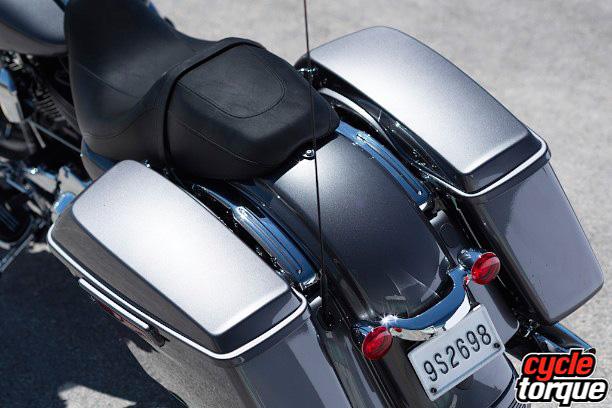 Harley-Davidson-Touring-2013--(21)