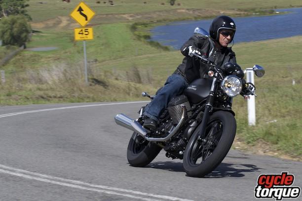 Moto Guzzi V7 2014