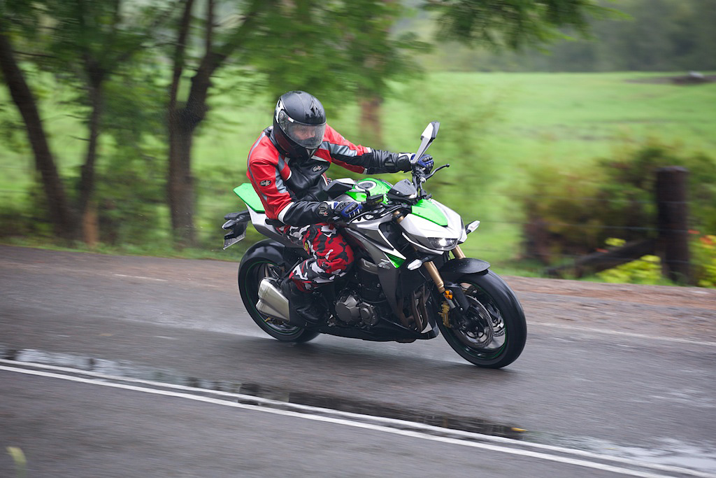 Kawasaki-Z1000-2014-3