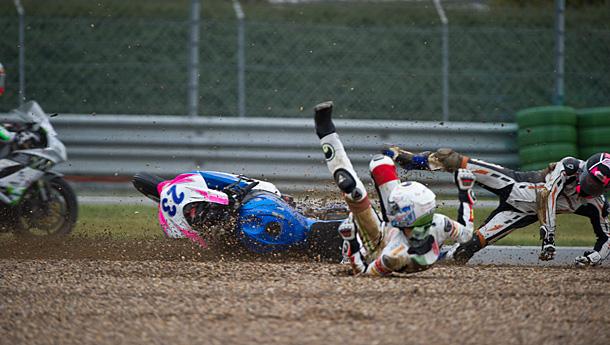 wsbk11-nocco-crash-wss-magny-cours-2014