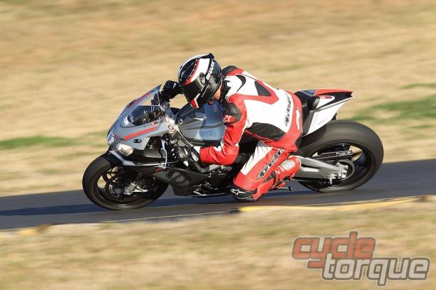 Aprilia RSV4 RR 2015 sportsbike motorcycle track day