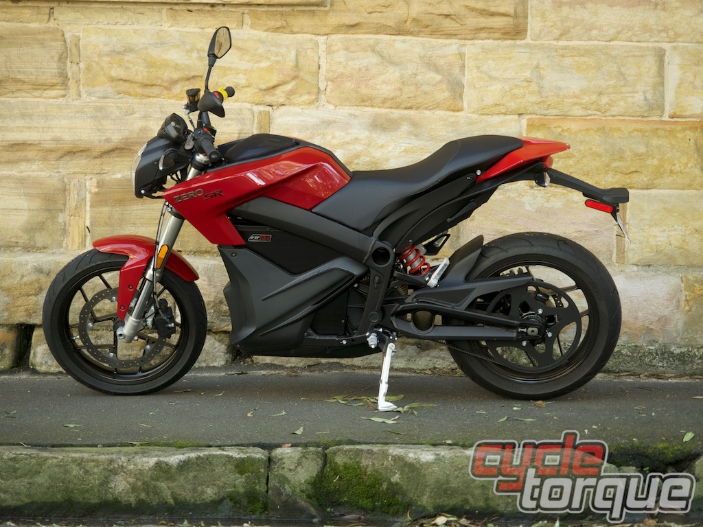 zero SR electric motorcycle nakedbike lithium ion battery 250km range instant torque