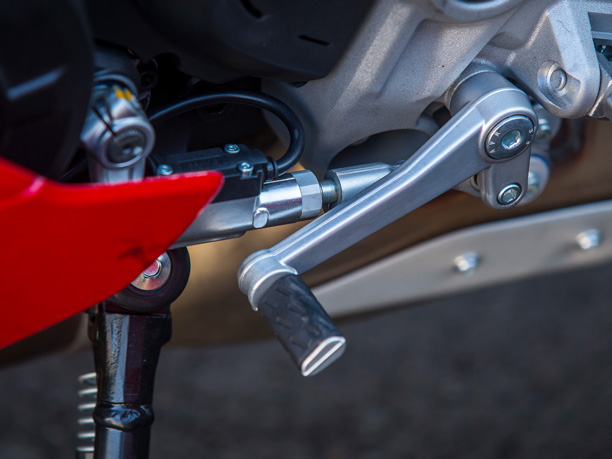Ducati SuperSport quickshifter DQS up/down autoblipper