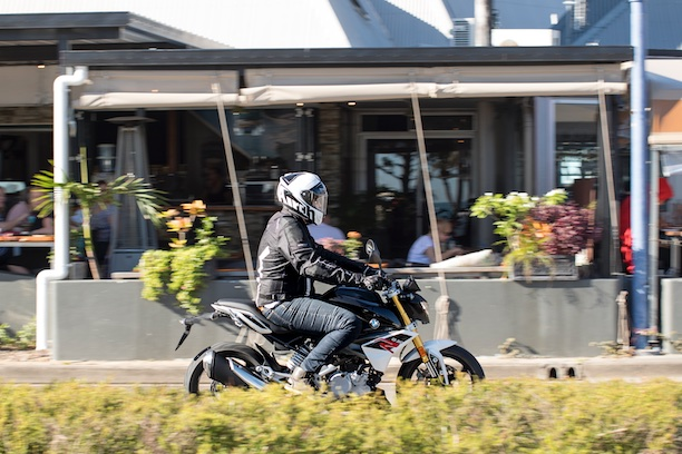 BMW G 310 R action pan city commuting LAMS Airlie beach