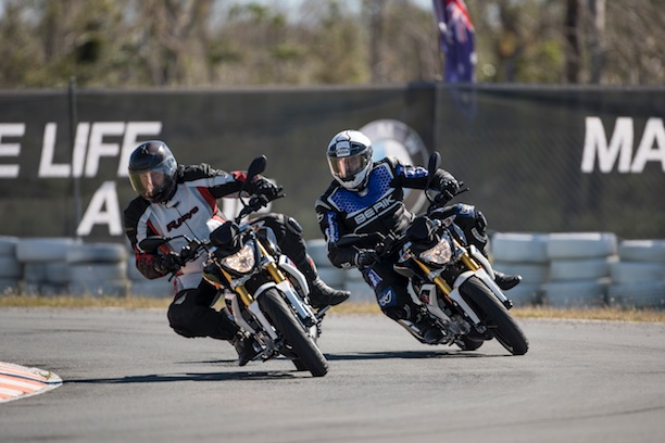 BMW G 310 R action two shot track