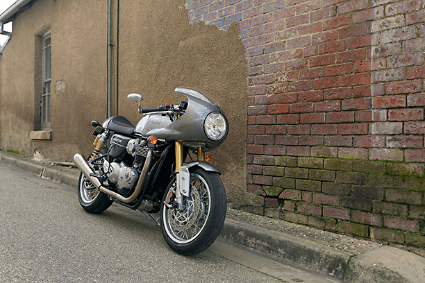 triumph thruxton front thee quarter right laneway